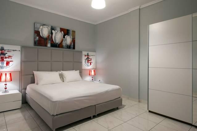 Design Residence 3 - Corfu City Center, location de vacances à Vitouládes