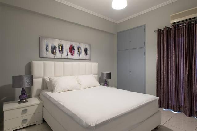 Design Residence 3 - Corfu City Center, holiday rental in Vitouládes