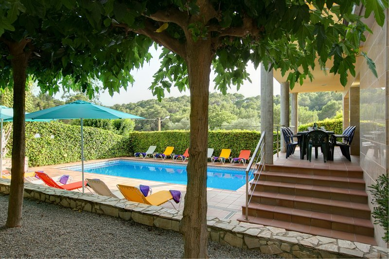Tamariu Villa Sleeps 12 with Pool Air Con and WiFi - 5604550, Ferienwohnung in Tamariu