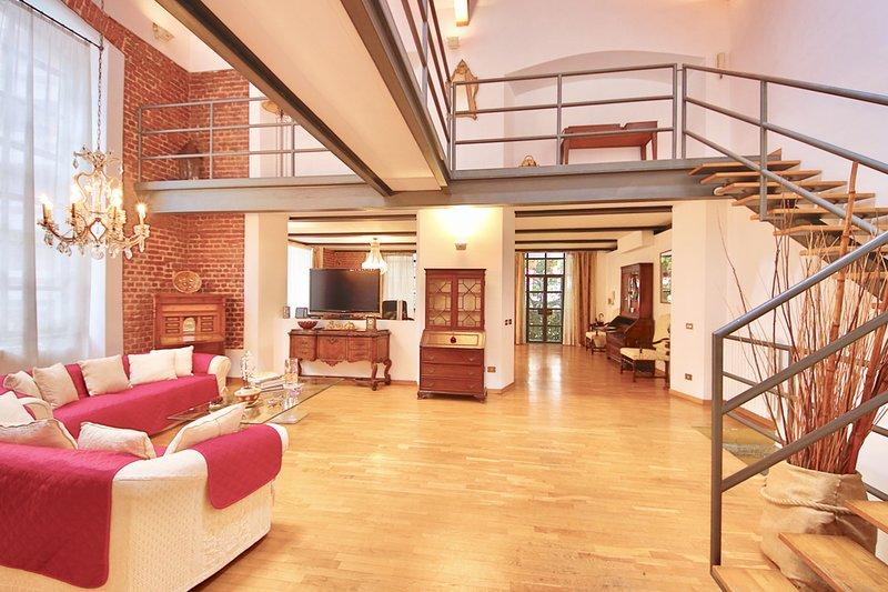 LOFT by KlabHouse- w/3BDR near Fondazione Prada, holiday rental in Locate di Triulzi