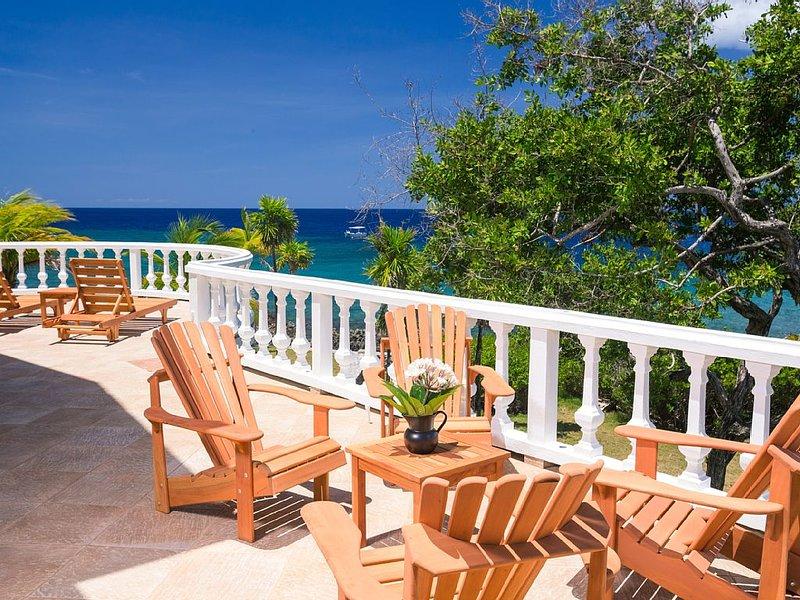 Rilassarsi, prendere il sole, rilassarsi nel patio anteriore