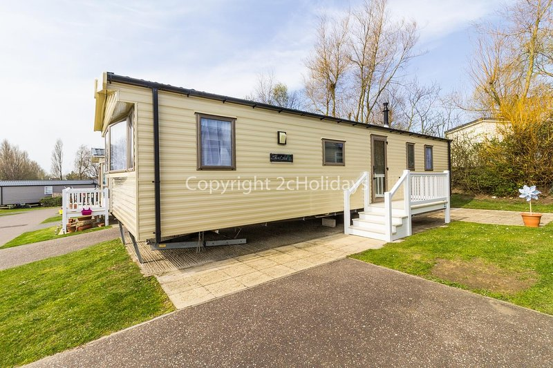 Luxury caravan at Hopton Haven. Great for seaside breaks in Norfolk ref 80020T, vacation rental in Hopton on Sea