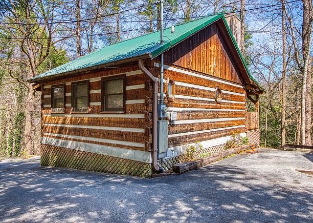 Pleasing Romantic 1 Bedroom Log Cabin Downtown Gatlinburg And Beutiful Home Inspiration Xortanetmahrainfo