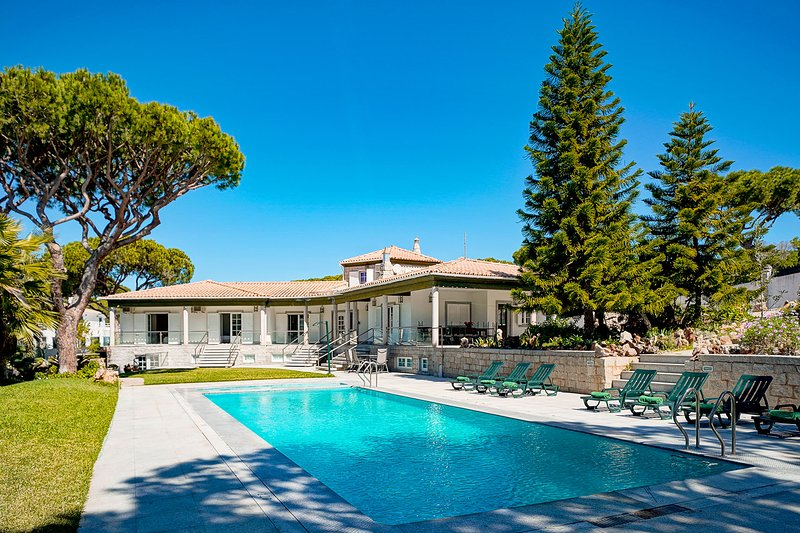 Rustic 3bdr Villa with Private pool next to the Beach, vacation rental in Vilamoura