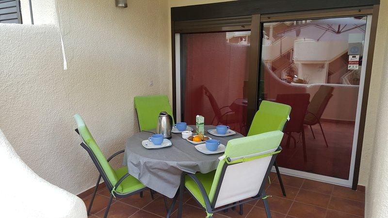 Ricky´s Village LA FELICIDAD: Apto junto a la mejor playa de las marinas., vacation rental in Els Poblets