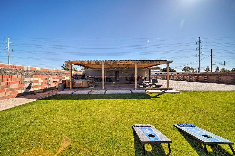 Capture the essence of the Valley of the Sun from this Tempe home!