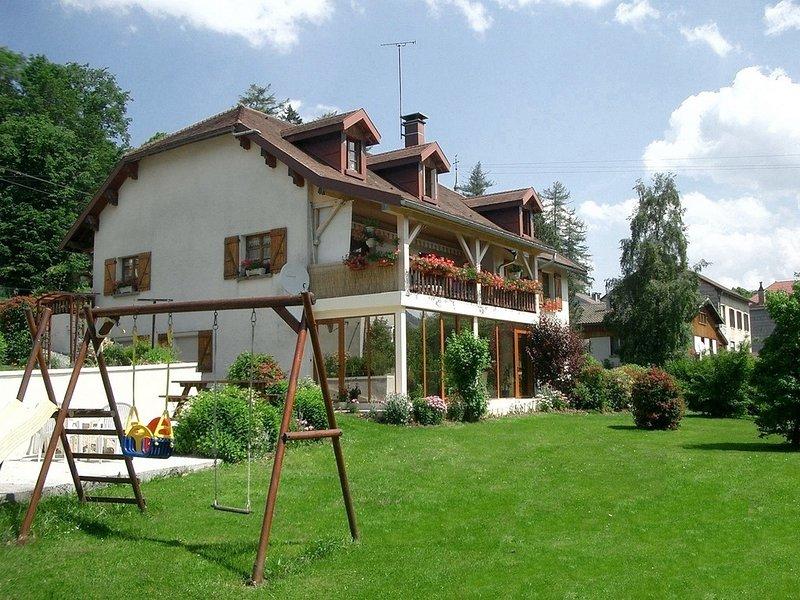 Gîte n°1804 du Haut-Jura avec Spa et sauna, classé 3 épis aux Gîtes de France, holiday rental in Chaux-Neuve
