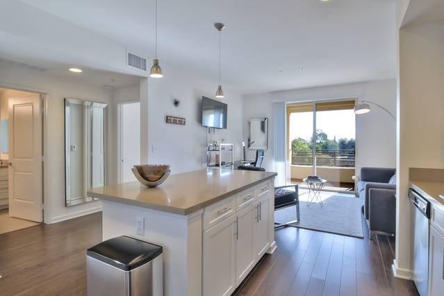 Modern Appliances + Kitchen Island