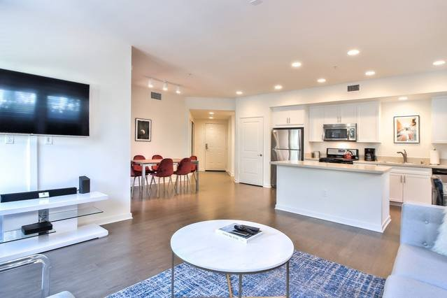 Perfect for Business or Leisure - Experience Different with Urban Flat in North San Jose!
