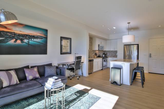 Expansive Living Space - High Quality Furnishings....