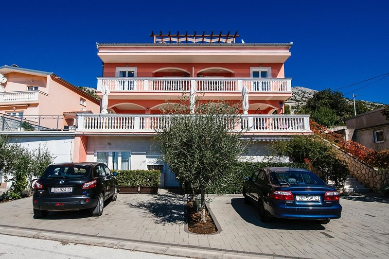 Kruskovac Apartment Sleeps 2 with Air Con - 5786529, holiday rental in Kukljic