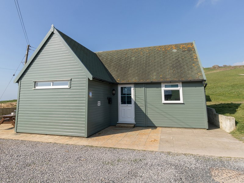 SANDPIPER CHALET, Chalet sea views, Parking, Close to beach,  Bridport, vacation rental in Chideock