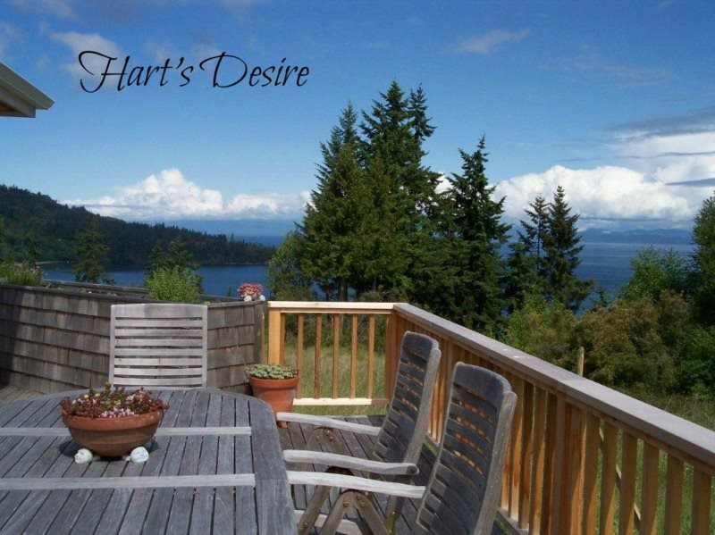 Larger House Near Freshwater Bay. Great Views & Walk to Beach  Hart's Desire on, vacation rental in Joyce