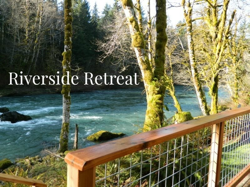 Picturesque and Peaceful Retreat-House on the banks of the Sol Duc River, holiday rental in Clallam Bay