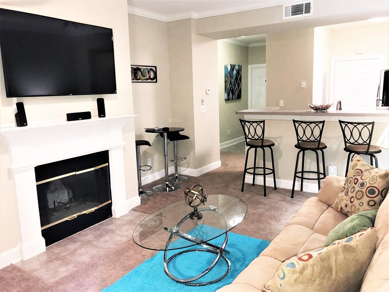 Peachtree Quarters - Free WiFi, Free Parking, Great View of the City, holiday rental in Atlanta