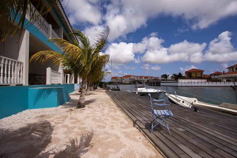 Apartment Imperial Breeze on Ocean Breeze Resort, location de vacances à Kralendijk