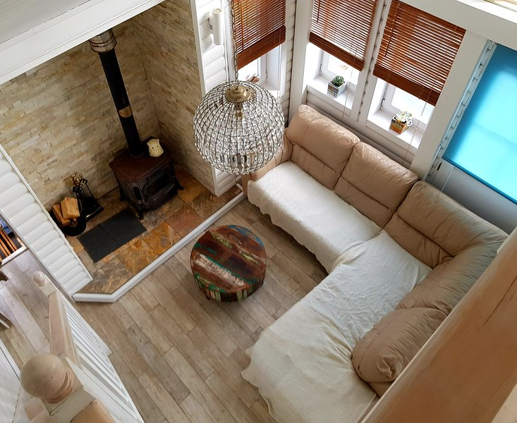The Boathouse 10m from the sea!, holiday rental in Rye