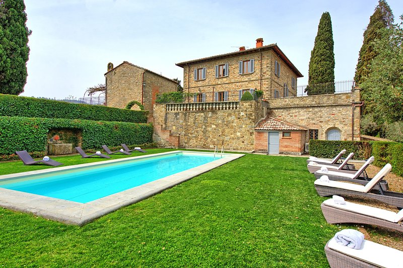 Santa Maria Acone Villa Sleeps 12 with Pool Air Con and WiFi - 5784927, location de vacances à Pontassieve