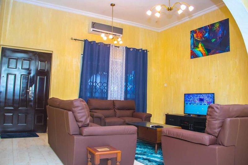 Miracle Home Apartment, Ferienwohnung in Oyarifa