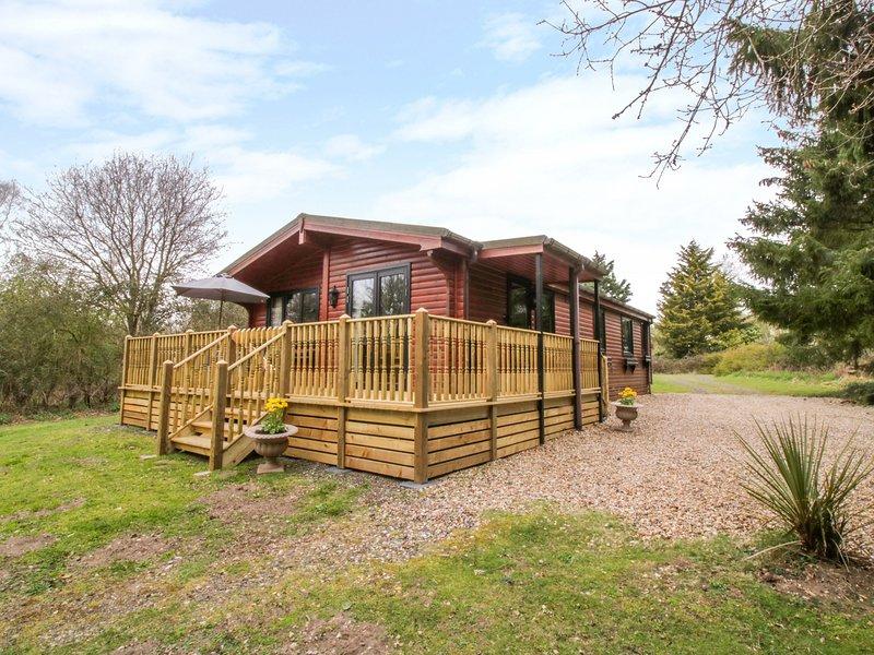 HAWTHORN, WiFi, Electric fire, Open-plan living, Garboldisham, holiday rental in Larling