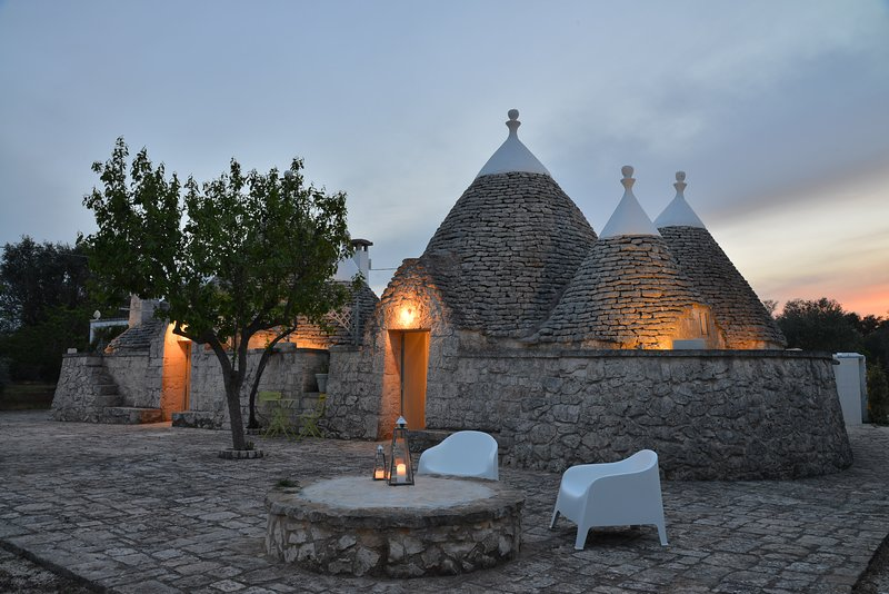 TRULLO LUCE  is a luxury villa rental located in Puglia, holiday rental in Ceglie Messapico