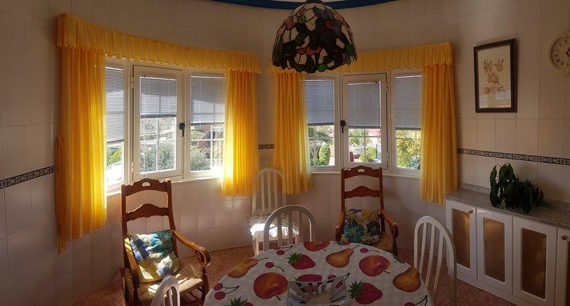 Alojamiento Rural La Casa de Polito, holiday rental in Sevilleja de la Jara