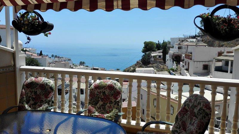 Ideal para relajarse junto al mar y cerca de la montaña, vacation rental in Castillo De Banos