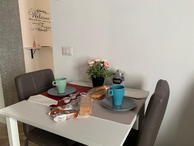 Il lusso di un Hotel 4 stelle unito alla comodità di una vera casa, vakantiewoning in Abbiategrasso