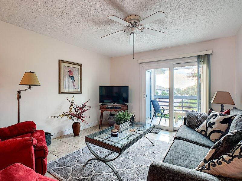 SC217 - Sea Woods Condo 217, holiday rental in New Smyrna Beach