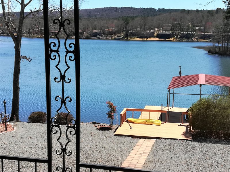 Waterfront Mediterranean Villa - designated a Gold Star Vacation Property!, vacation rental in Hot Springs Village