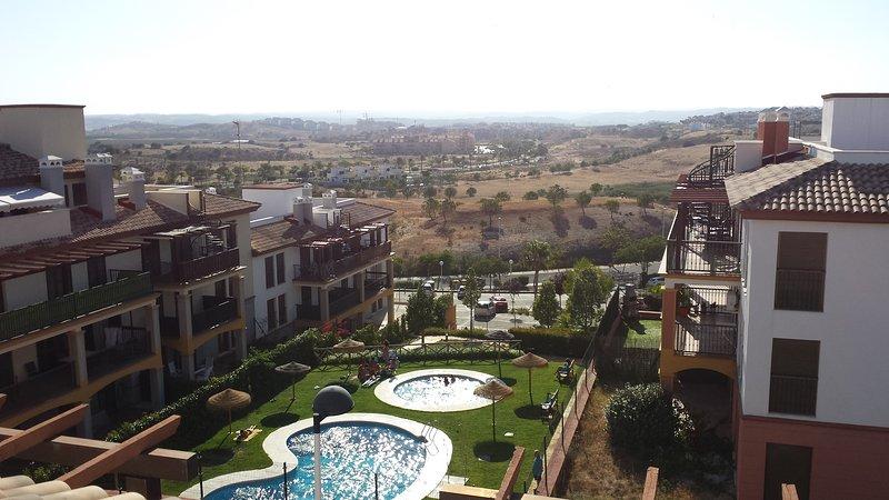 Alquiler apartamento costa esuri, vacation rental in Costa Esuri