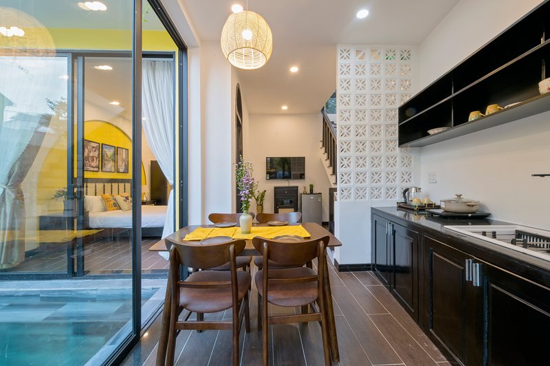 Rosie Villa in Hoi An with 2 Room size King, private Kitchen & Pool, alquiler vacacional en Hoi An