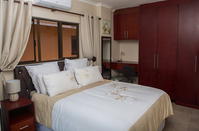 Dyna Guest House: Room 1, holiday rental in Mount Edgecombe