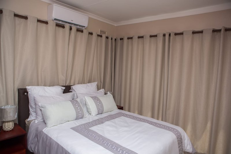 DYNA GUEST HOUSE: ROOM 2, alquiler vacacional en Umhlanga Rocks