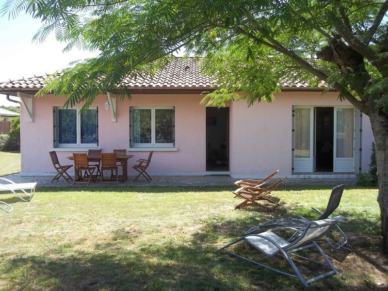 Amazing house with garden & terrace, vacation rental in Mimizan