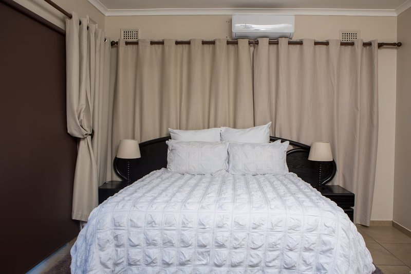 DYNA GUEST HOUSE: QUEEN DELUXE SUITE, casa vacanza a Bulwer