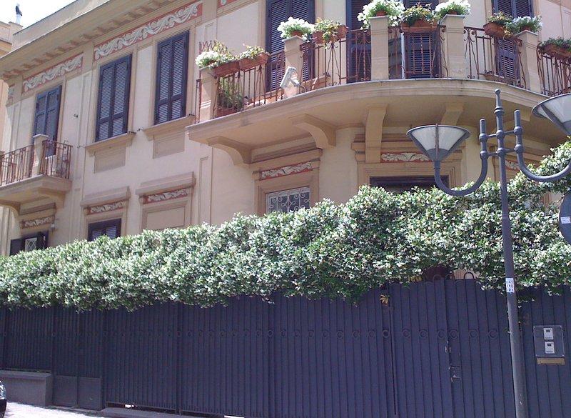 Villa Elena è una splendida villa del 900 Portici a pochi minuti da Napoli, Ferienwohnung in Portici