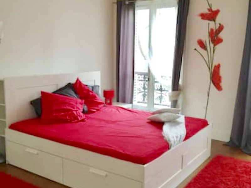Amazing apt for 11 holidaymakers, holiday rental in Neuilly-sur-Seine