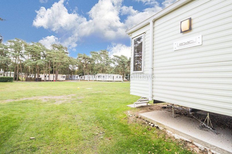 8 berth caravan for hire at Wild Duck Holiday Park.