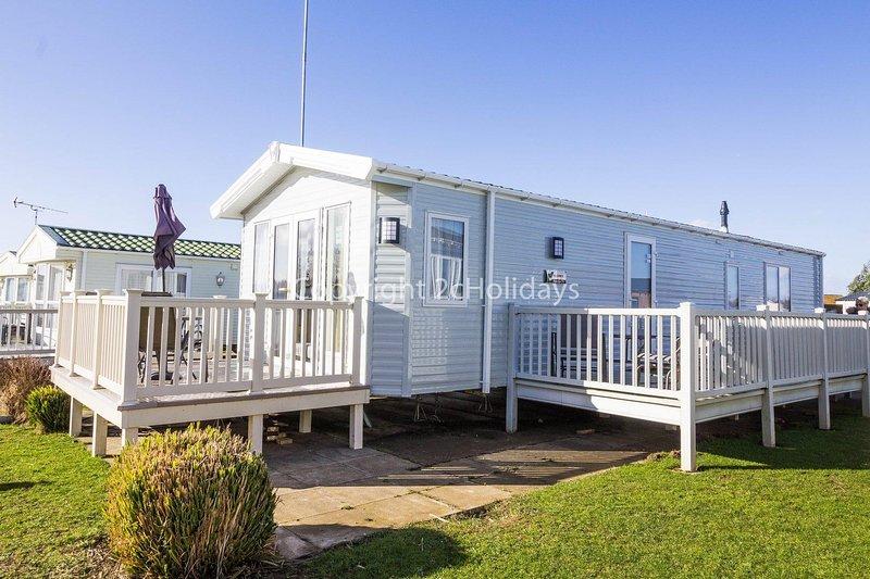 Stunning dog friendly caravan at Manor Park, Hunstanton in Norfolk ref 23188K, holiday rental in Hunstanton