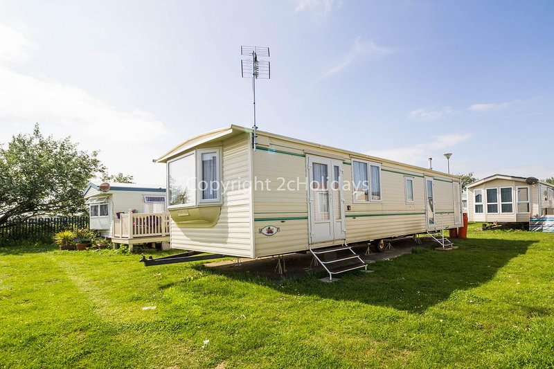 6 berth caravan hire for at St Osyth Beach Holiday Park in Essex ref 28021D, location de vacances à Clacton-on-Sea
