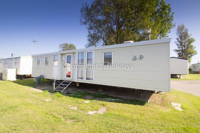 8 berth accommodation at California Cliffs Holiday Park.