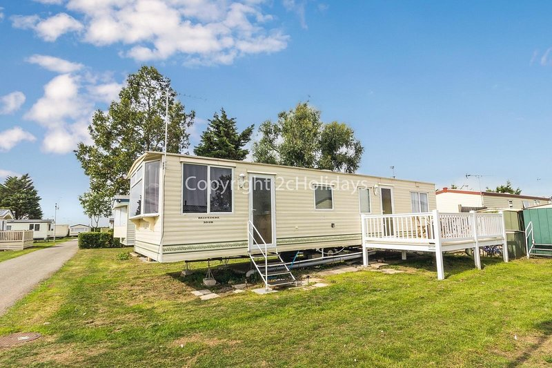 6 berth accommodation at Steeple Bay in Essex