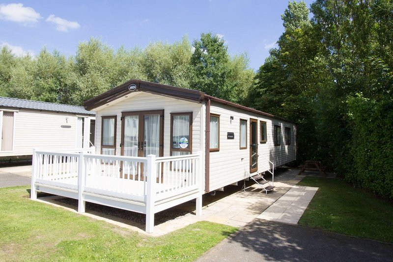 Stunning modern caravan with decking for hire at Haven Hopton Holiday village