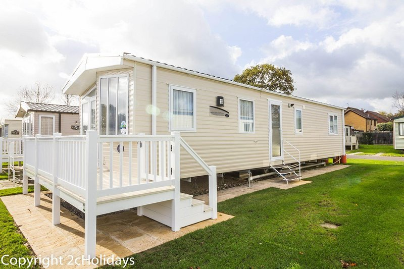 Platinum 8 berth caravan for hire at Haven Hopton in Norfolk ref 80035T, vacation rental in Hopton on Sea