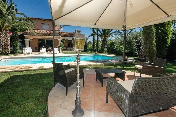 La Fontonne Villa Sleeps 6 with Pool and WiFi - 5891548, alquiler de vacaciones en Biot