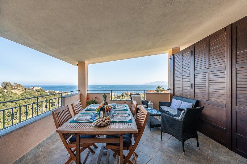 CASA PARADISO: casa nuova con vista mare paradisiaca, 8 persone, alquiler vacacional en Cala Gonone