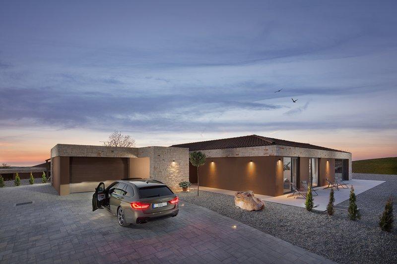 4 Bedroom Luxury Villa Royale Retreat, alquiler de vacaciones en Brtonigla