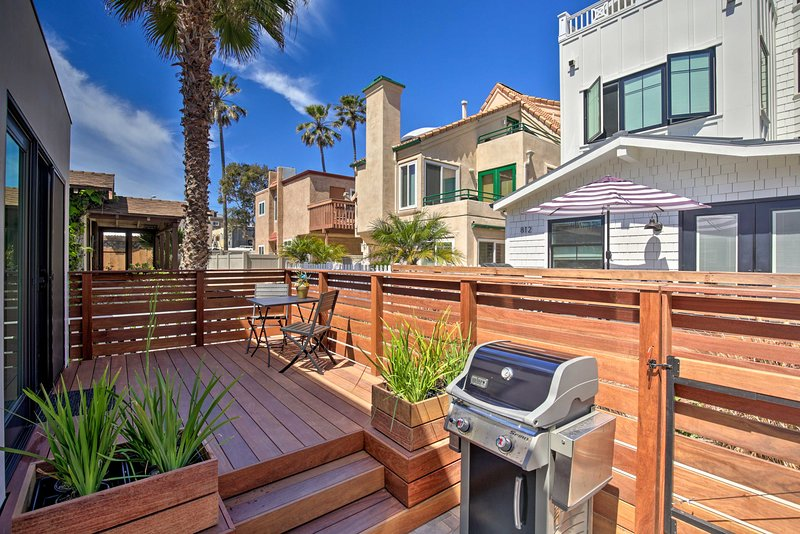 Linger out onto the terrace to soak up the Southern California sun!