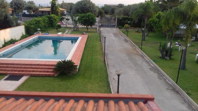 Villa Mura con piscina e wi-fi, location de vacances à Floridia